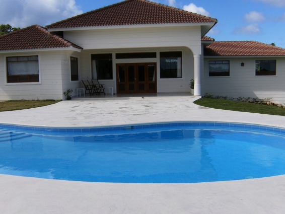Liquid Pool Covers - How do Liquid Pool Covers Work
