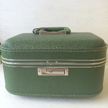 avocado green vintage train case makeover