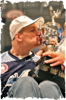 #90 - Kenny Haran kisses the Wheelers Cup
