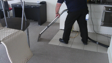 carpet cleaning at work cleaning carpet