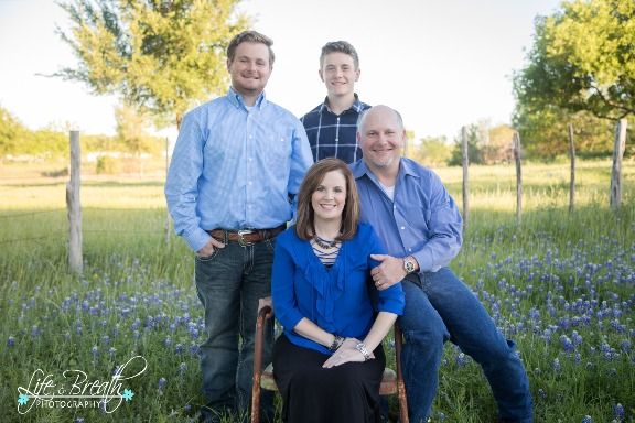 bluebonnet mini session photos pflugerville round rock cedar park