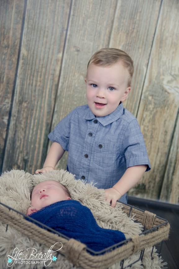 pflugerville newborn photographer, round rock, hutto, baby boy, big brother